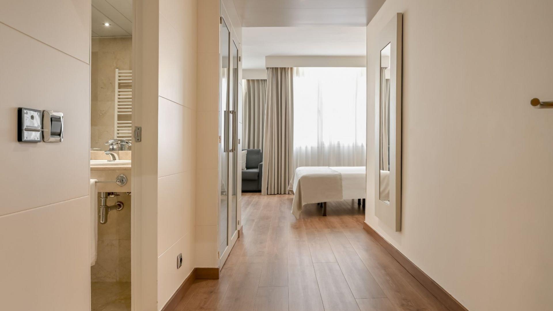 Quadruple Apartment
